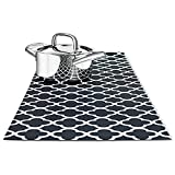 : TRIVETRUNNER Decorative Trivet and Kitchen Table Runners Handles Heat, anti Slip, Hand Washable and Convenient for Hot Dishes, Black/White