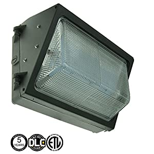 120-277V Forward throw LED wall pack light 40 watts 3897 lumens DLC and ETL with 5 Year Warranty. LED wall pack for outdoor wall and area lighting.