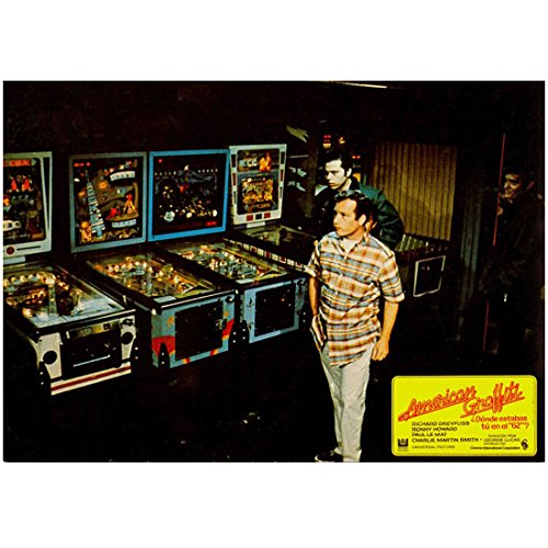 Richard Dreyfuss 8 Inch x 10 Inch Photograph The Goodbye Girl Jaws Close Encounters of the Third Kind in Front of Pinball Machines kn