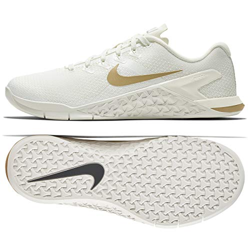 Nike Women's WMNS Metcon 4 CHMP, SAIL/Metallic Gold, 8.5 US