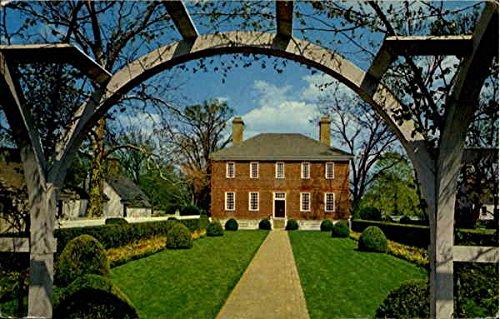 Wythe House Garden View Williamsburg, Virginia Original Vintage Postcard ()