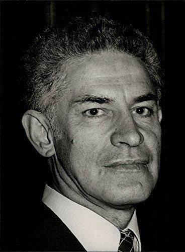 vintage-photo-of-portrait-of-gordon-slater
