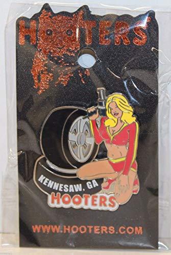 Hooters Nascar Racing Pit Crew Girl Kennesaw Ga Lapel Pin Tires/air Ratchet