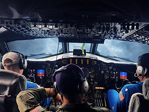 Price comparison product image Fly With Hurricane Hunters as They Measure the Power of a Storm