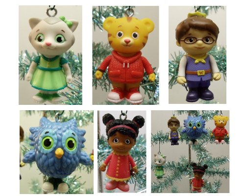 Daniel Tiger's Neighborhood 5 Piece Holiday Christmas Tree Ornament Set Featuring O The Owl, Prince Wednesday, Daniel Tiger, Miss Elaina, and Katerina Kittycat - Shatterproof Plastic Design Ranging from 2