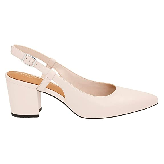 Amazon.com | Clarks Women's Pravana Claire Nude Pink Leather Pump 8 B (M) |  Pumps