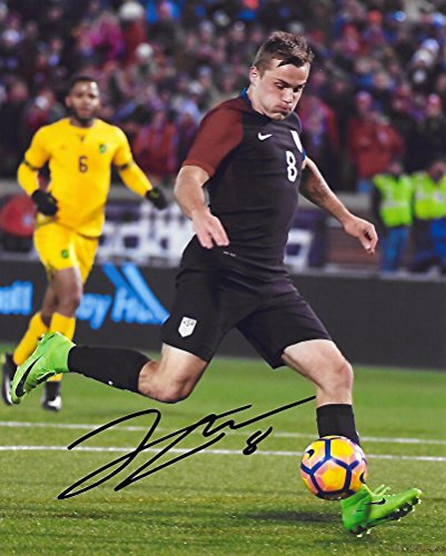 Jordan Morris, USA, United States National team, Signed, Autographed, 8X10 Photo, a Coa with the Proof Photo of Jordan Signing Will Be Included,