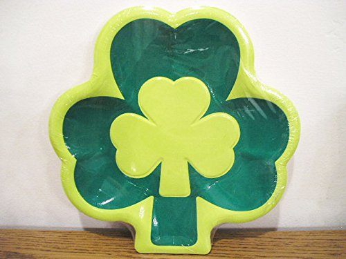 St. Patrick's Party Clover Leaf Shaped Dinner Paper Plates - 12 count ()