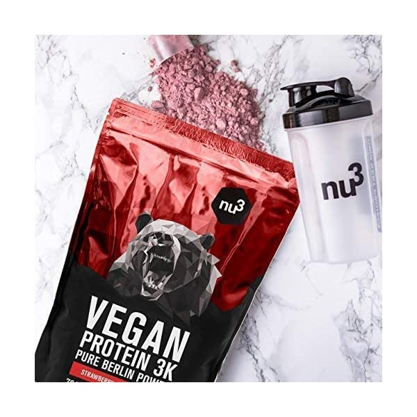 nu3 Vegan Protein 3K Shake – Strawberry – 1 Kg Plant Based Protein Powder with Strawberry Flavour – Made of 3-Component-Protein – with 70% Protein – Lactose and Sugar Free – Before & After Workout