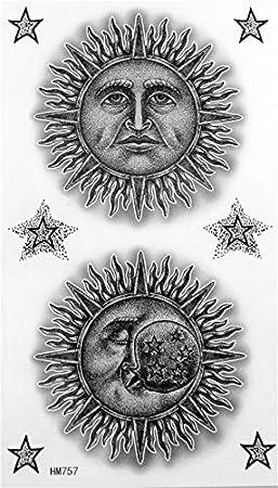 Noir Et Blanc Homme De Bande Dessinee De Soleil Et La Lune Homme