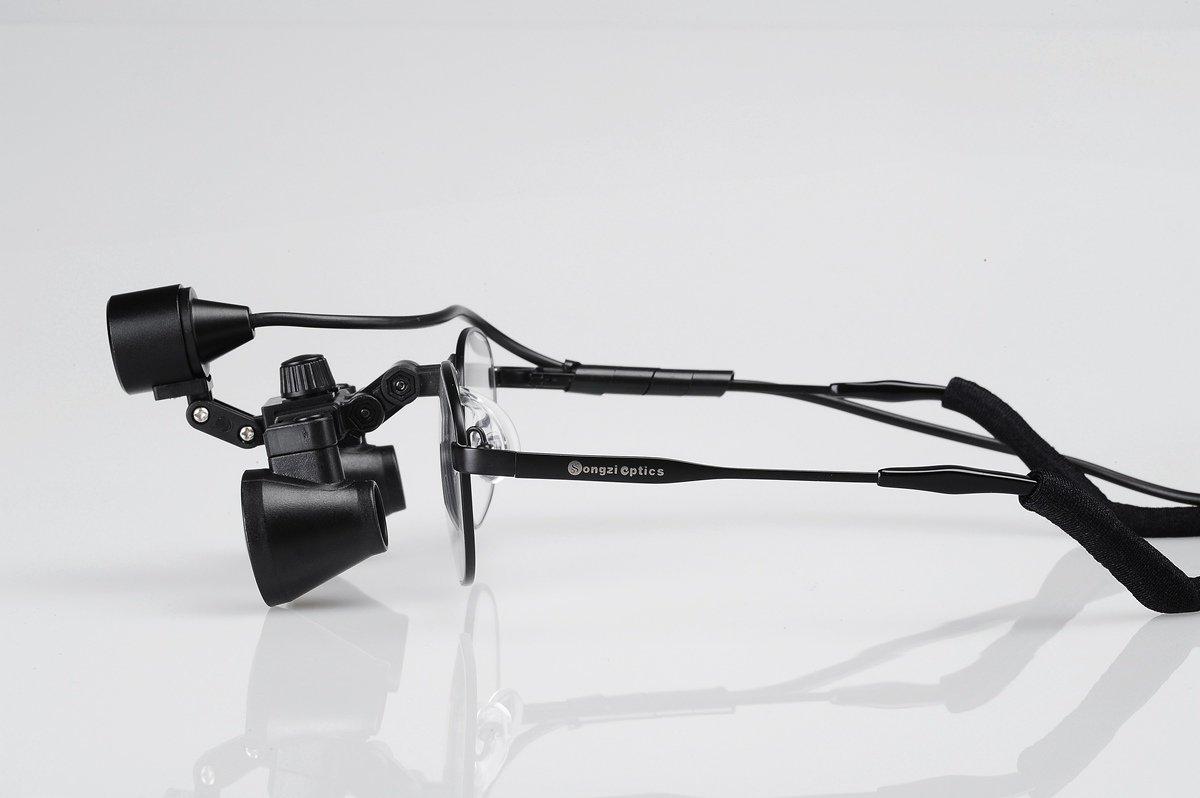 Small Lens Titanium frame 2.5X Field Of View:150mm Depth of field:200mm Binocular Medical Surgical Dental Loupes & light