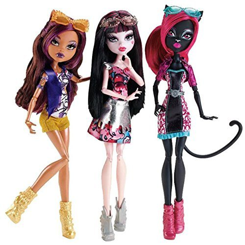 Monster High Boo York Out of Tombers Dolls 3 Pack Catty Noir, Draculaura and Clawdeen Wolf -