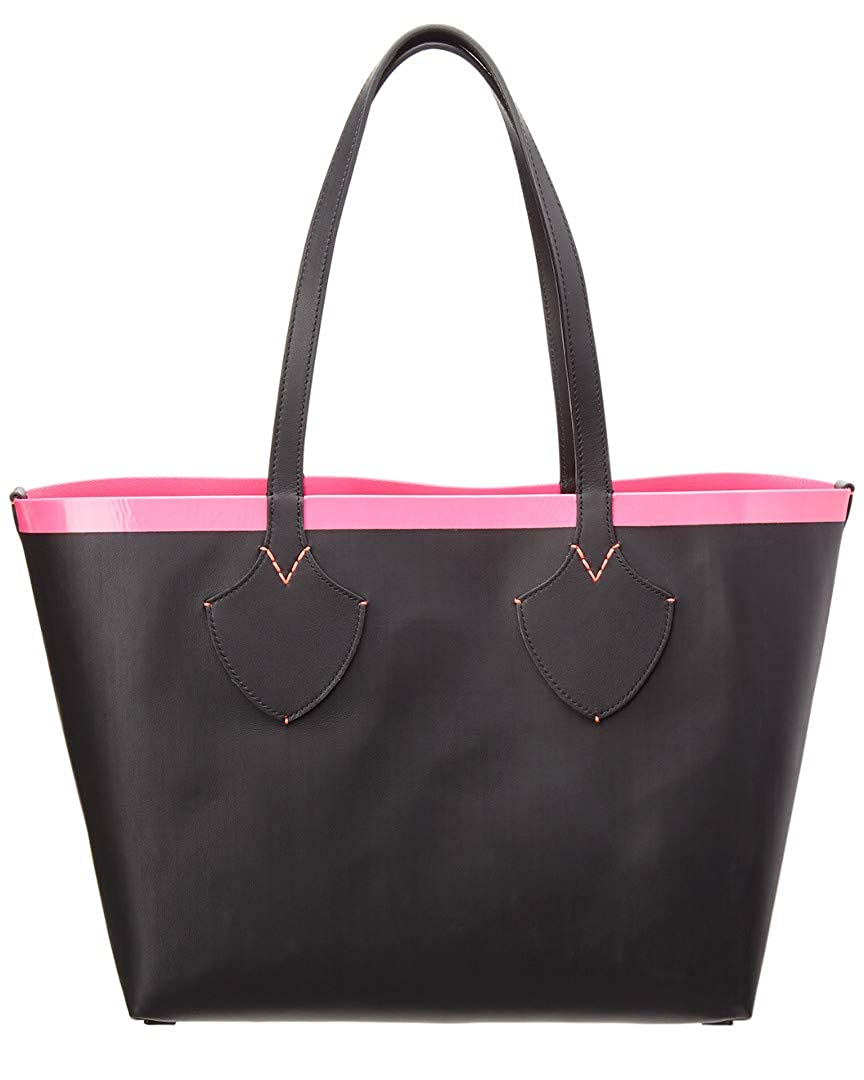 bb53c8b2b28e Amazon.com  Burberry Women s Medium Giant Reversible Tote in Canvas and  Leather Pink  Clothing
