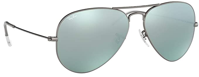 37c92f1f65514d Amazon.com  Ray-Ban RB3025 Aviator Flash Lens Unisex Sunglasses (Matte  Gunmetal Frame Silver Flash Lens 029 30, 55)  Clothing