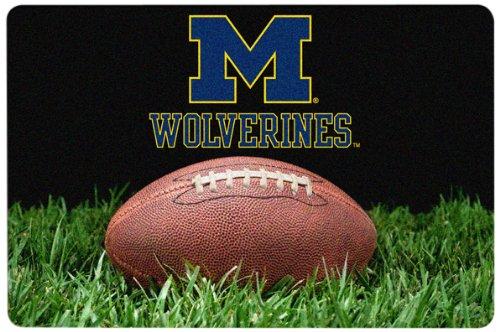 NCAA Michigan Wolverines Classic Football Pet Bowl Mat, Large