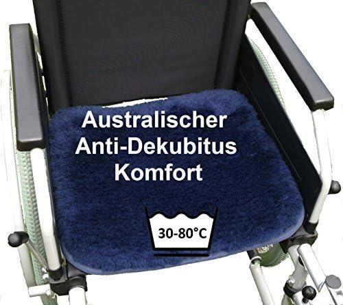 LANAMED 55 x 45 cm - Australische Antidekubitus Rollstuhlauflage. Dunkelblau. Ultra-dichter Schurwoll-Komfort...
