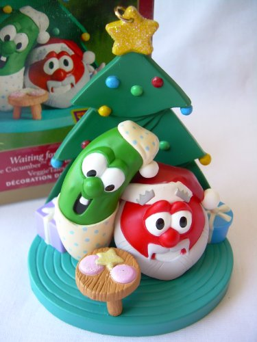 2001 Hallmark WAITING FOR SANTA Larry the Cucumber and Bob the Tomato VEGGIE TALES OrnamentSuper -