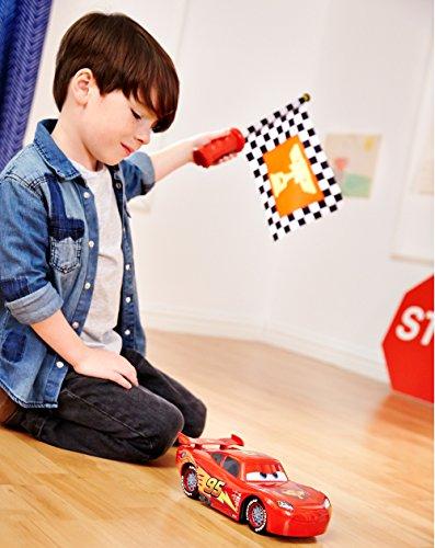 Disney Cars Flag Finish Lightning McQueen Vehicle by Mattel (Image #4)