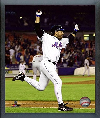 Mike Piazza New York Mets MLB Action Photo (Size: 17' x 21') Framed Photo File