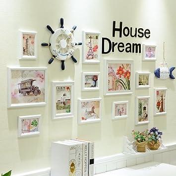 Das Wohnzimmer ist eingerichtet und die Wände der Luft Combo im ...