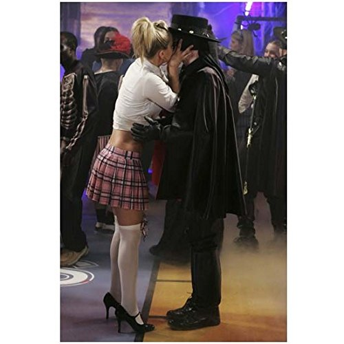 8 Simple Rules 8 x 10 Photo Kaley Cuoco-Sweeting/Bridget Hennessy Kissing Zorro at Costume Party - Costumes Simple Celebrity