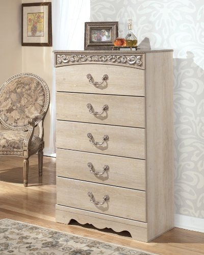 Signature Design by Ashley Catalina Chest