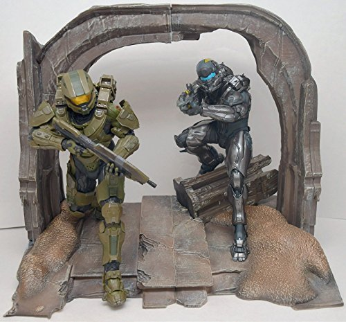 Xbox One Halo 5 Guardians Collector's Master Chief Spartan Locke Statues Figures Display ONLY, GAME NOT INCLUDED]()