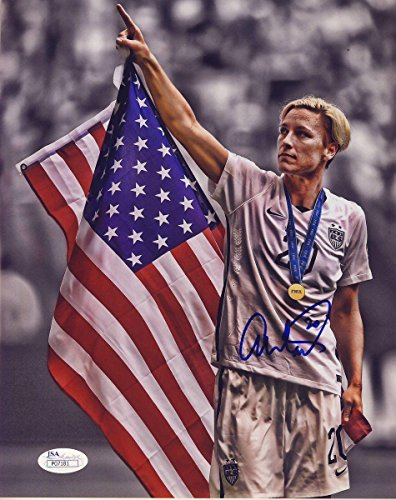 Signed Wambach Photograph - USWNT 8x10 Amer Flag Color 136812 - JSA Certified - Autographed Soccer Photos ()