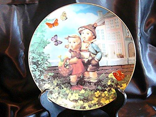 c1990 Danbury Mint Hummel Little Companions Surprise plate NEGR72 - Hummel Danbury Mint