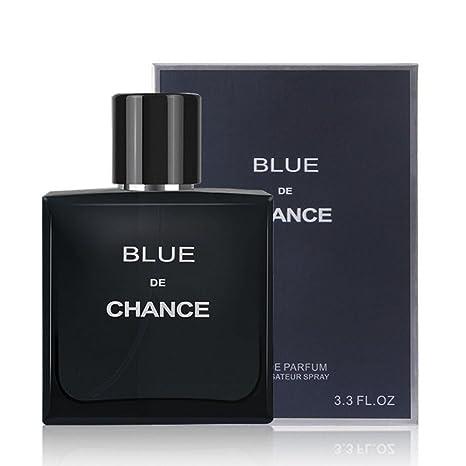 Los frascos masculinos del aerosol del perfume de Colonia de los hombres son convenientes para llevar