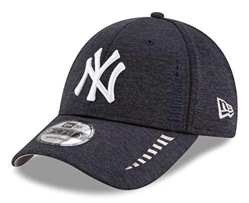 New Era New York Yankees 9Forty MLB Shadow Speed Performance Adjustable Hat