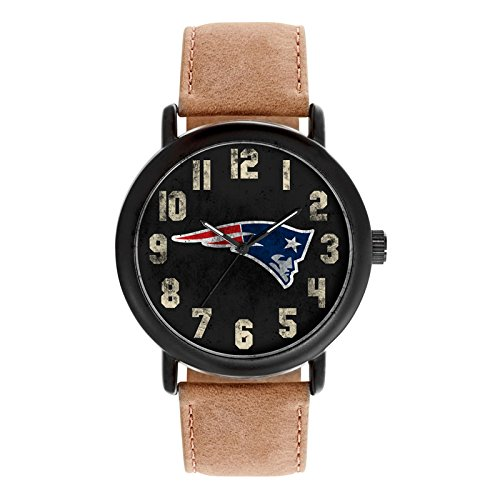 New England Patriots Mens Watch (Game Time Men's 'Throwback' Quartz Metal and Leather Casual Watch, Color:Beige (Model: NFL-TBK-NE))