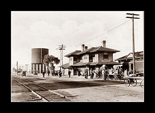 8 x 10 All Wood Framed Photo This Is The Train Depot In Maricopa, Arizona. It Is The Southern Pacific Station
