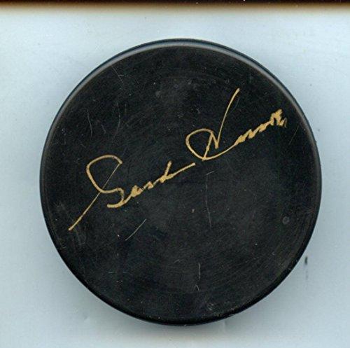 Gordie Howe Autographed Hockey Puck (Gordie Howe Autographed Hockey Puck Hologram - Autographed NHL)