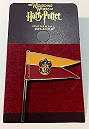 Wizarding World of Harry Potter : Gryffindor Flag Pennant Metal Trading Pin
