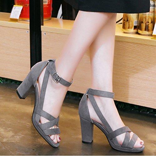 AIYOUMEI Damen knöchelriemchen Wildleder Sandalen mit 6cm Absatz und Schnalle Blockabsatz Bequem Modern Sommer Schuhe Grau
