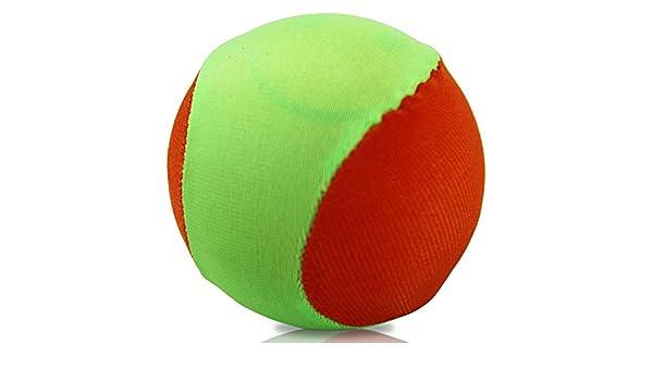 Water Sport - Balón de fútbol con la pelota saltando sobre el agua ...