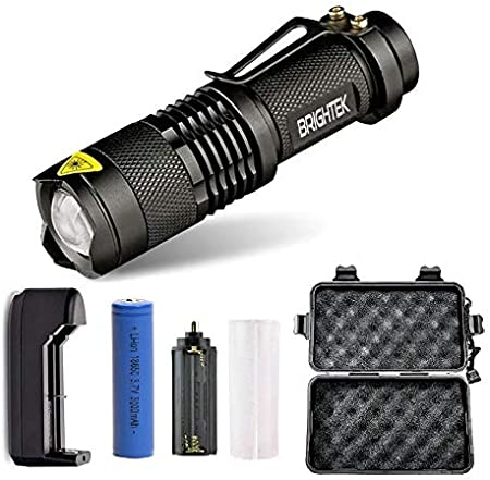Tactical Zoomable Flashlight w// Cree 1000 Lumens LED Belt Clip /& Charger