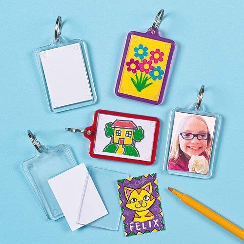 Childrens Craft Activities Pack of 8 Baker Ross Keyring Kits to Decorate Personalize /& Use or Offer as a Small Gift