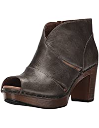 Women's Delphina Ankle Bootie