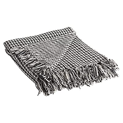 """DII California Casual Houndstooth Woven Throw, 50x60, Black - CONSTRUCTION - Throw measures 50 x 60"""" 100% Cotton QUALITY IN THE DETAILS - Old-fashioned look with a modern twist with decorative fringe for the perfect finish that won't unravel in the wash FITS THE RUSTIC VINTAGE OR DISTRESSED LOOK - This throw has a very chic and trendy look throw over a couch or chair to add a splash of color and provide warmth on a cold night - blankets-throws, bedroom-sheets-comforters, bedroom - 51QdxpTJJAL. SS400  -"""