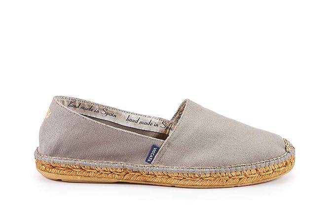 4bc275038fe Amazon.com  VISCATA Handmade in Spain Men s Sitges Canvas Authentic and  Original Espadrilles  Shoes