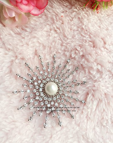 High-end luxury refined atmosphere zirconium diamond pearl brooch pin brooch pin send boxes sunflowers
