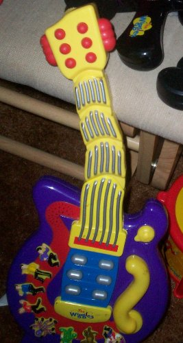 The Wiggles Wiggle and Giggle Guitar Toy Wiggly Giggly Guitar