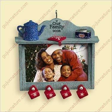 Our Family 2006 - Hallmark Keepsake Christmas Ornament Photo Holder ()