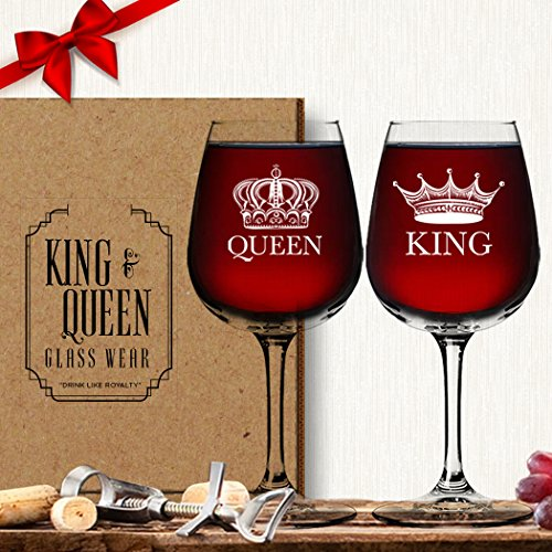 King Queen Wine Glass (Set of 2) - Couples Valentines Day Gift - His Hers - Mr and Mrs - Housewarming Newlyweds - Cool Husband Wife Wedding Anniversary Vino Drinkware - Royalty Novelty Funny Fancy