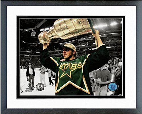 mike-modano-dallas-stars-nhl-stanley-cup-photo-size-125-x-155-framed