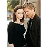 Gilmore Girls 8 x 10 Photo Rory Gilmore Sharing a Nice Moment w/Logan Huntzberger Pose 1 kn