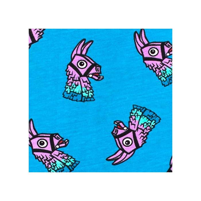"""51QkWu ARL Pijama para niños de Fortnite. Este épico conjunto de pijama de Battle Royale viene con un gran estampado de la llama púrpura del videojuego en el top, con el eslogan """"I'm Full Of Surprises"""". Parte superior: 93% Algodón 7% Poliéster Parte inferior: 100% Algodón"""