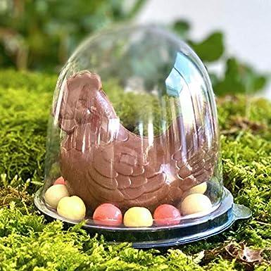 CHOCOLAT DE PAQUES - POULE EN CHOCOLAT SOUS CLOCHE SUR LIT D'OEUFS - CHOCOLAT DE PAQUES - GOURMANDISES DE PAQUES - OEUFS EN CHOCOLAT
